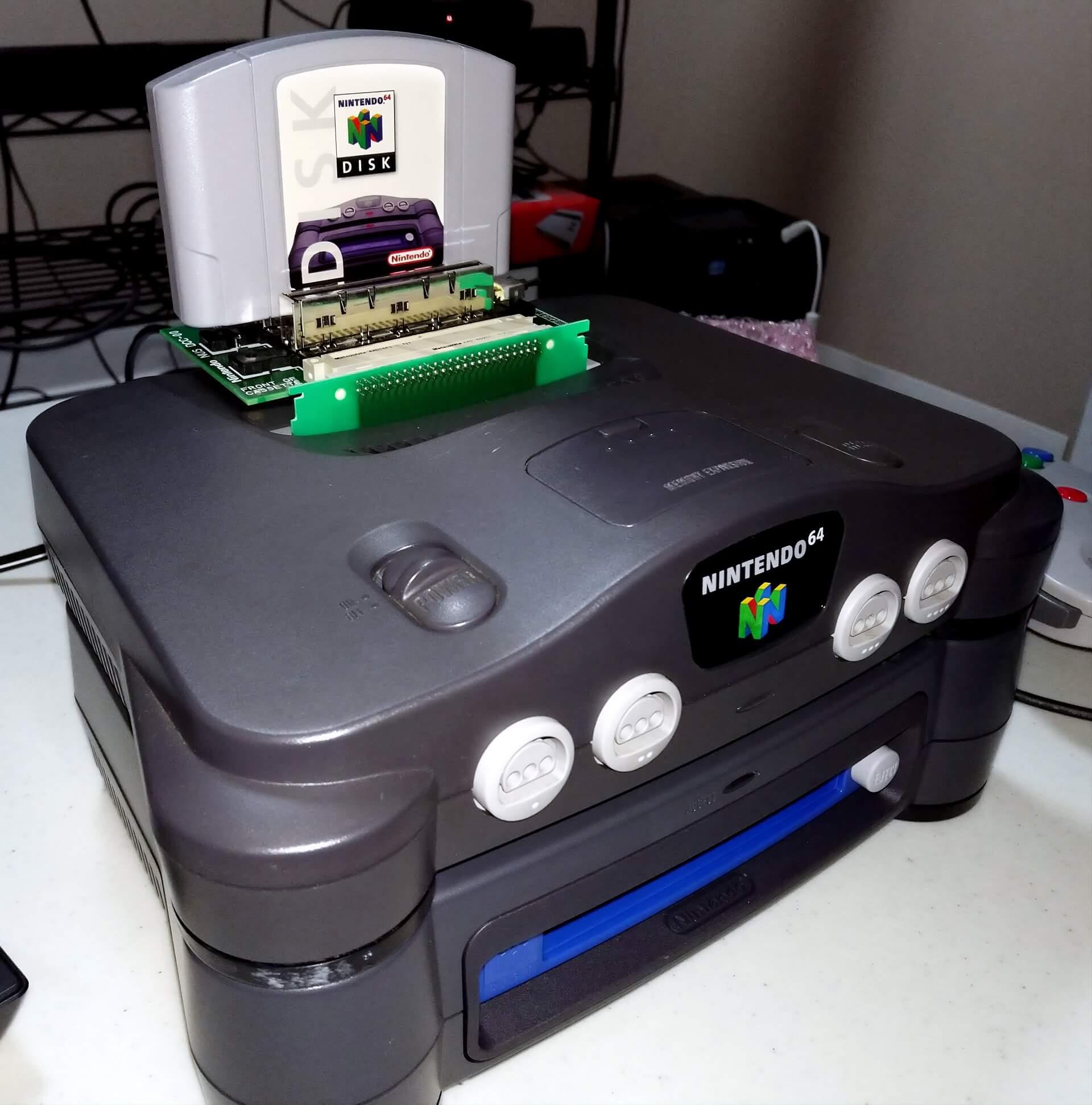 Sammler zeigt seltenes Dev Kit für die N64